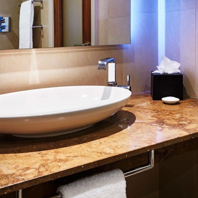 Bathroom Clayton Hotel Birmingham