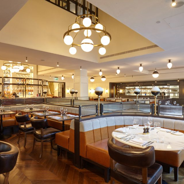 clayotn hotel cambridge restaurant