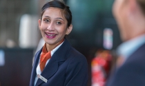 smiling_Clayton_Hotel_receptionist
