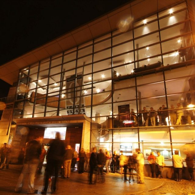 hotels near cork opera house