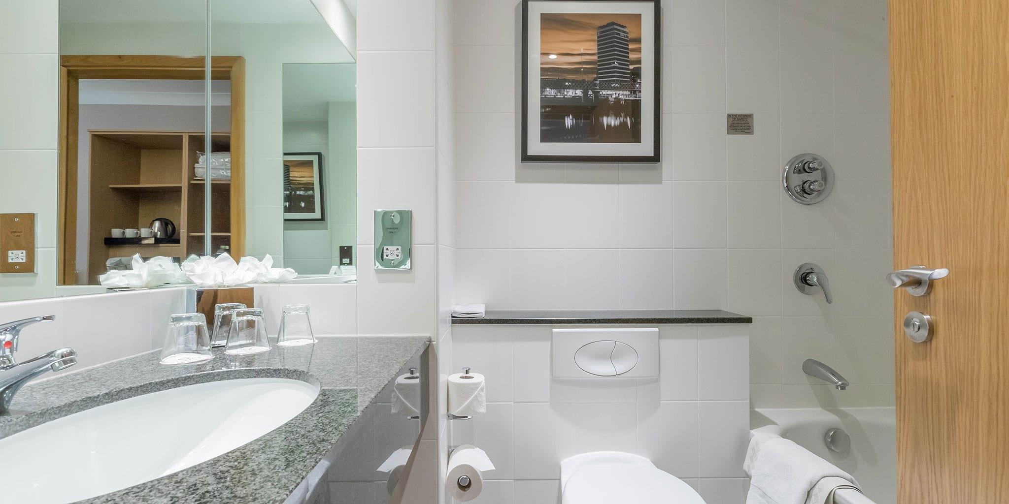 Bathroom-Clayton-Hotel-Cardiff-Lane