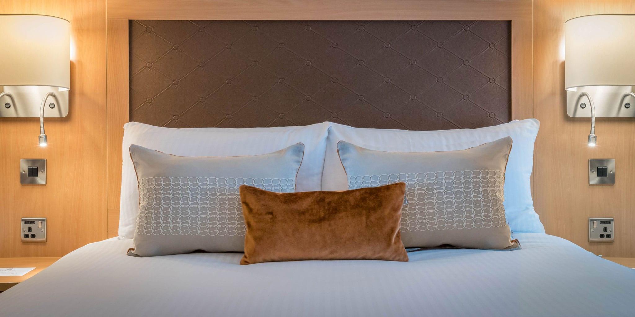 Double-Room-Clayton-Hotel-Cardiff-Lane