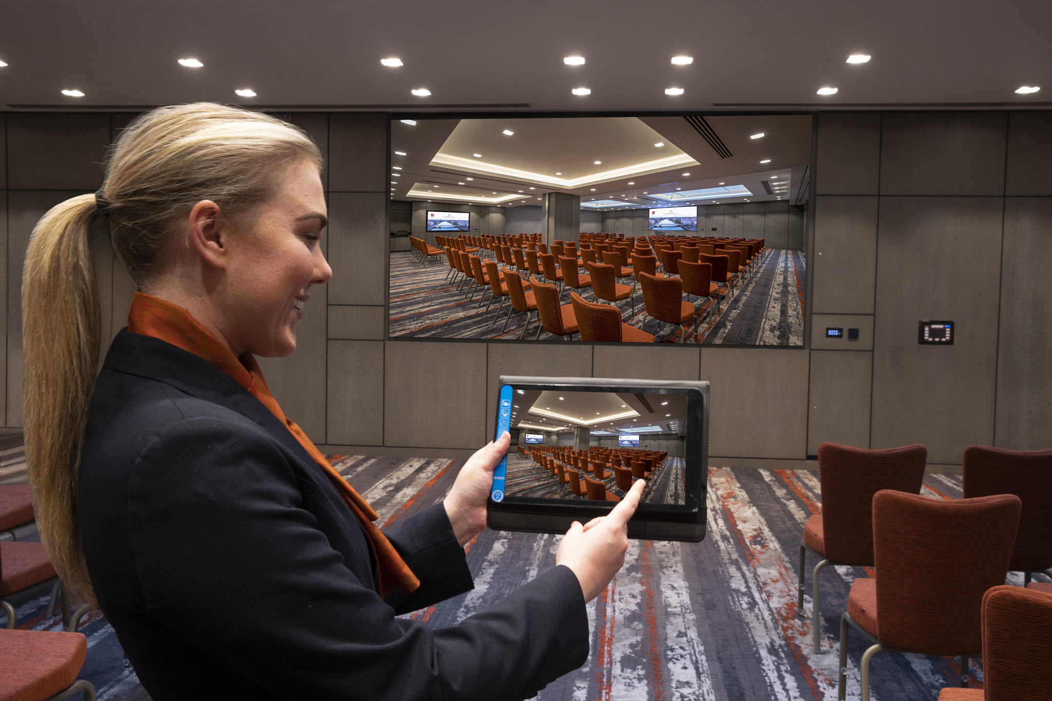 Clevertouch Technology Screen Mirror – Clayton Cardiff Lane Conference Dublin