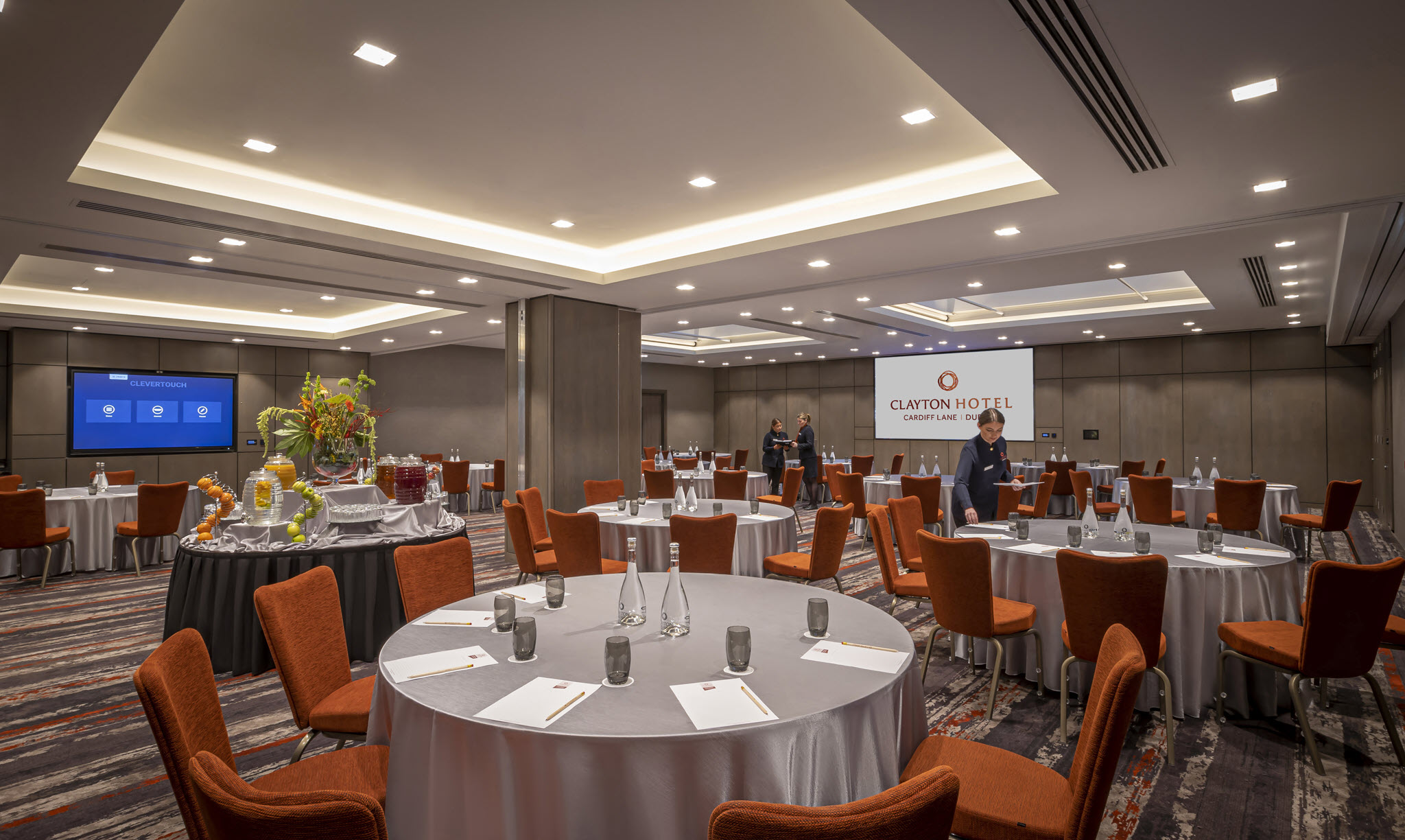 Grand Canal Suite Cabaret Set Up – Clayton Cardiff Lane Conference Dublin