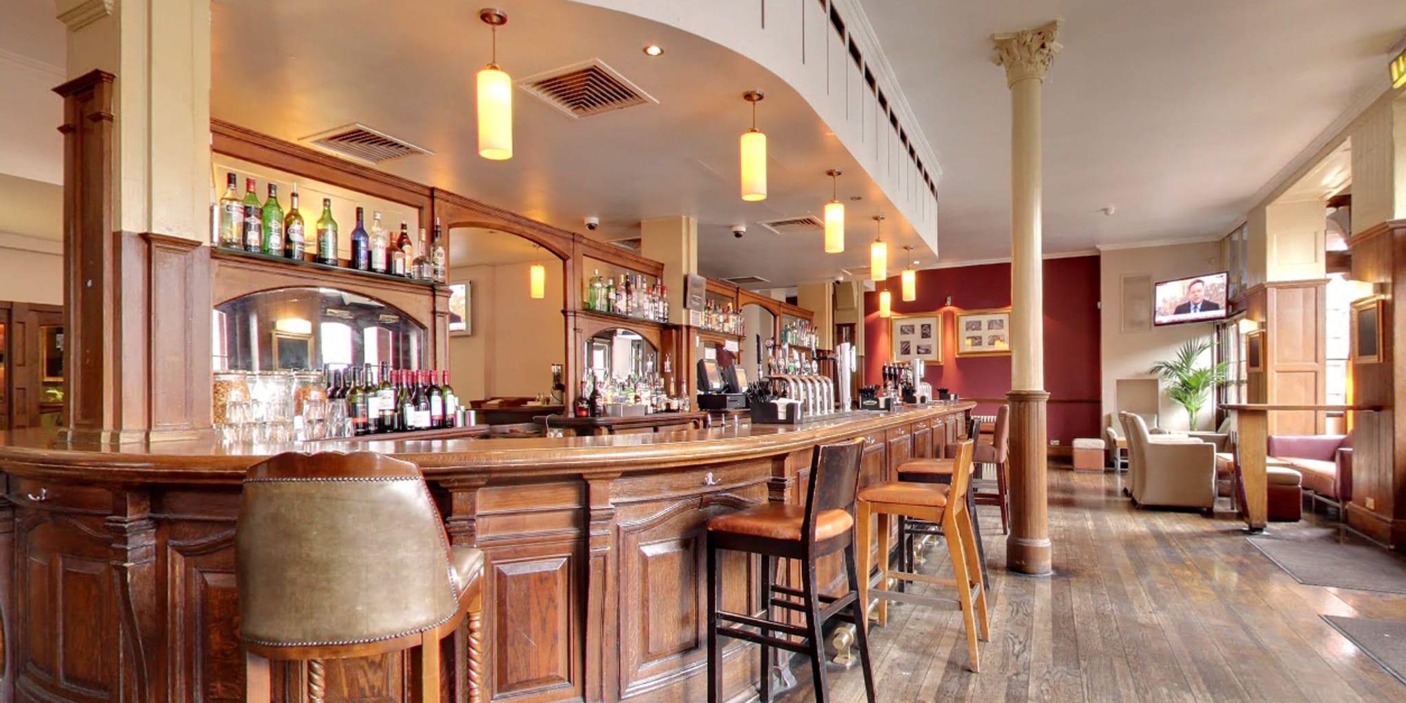 crown bar clayton hotels