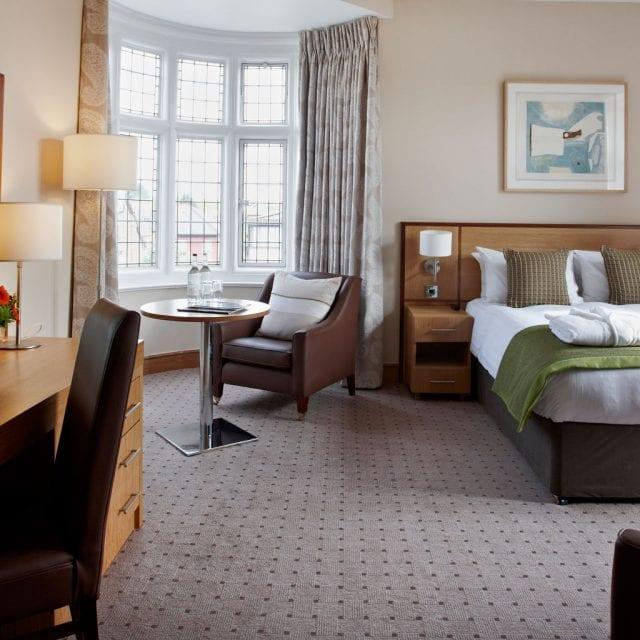 junior hotel suite london