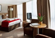 executive-hotel-room-clayton-crown