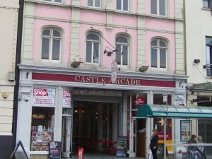 hotels near castle quarter arcades